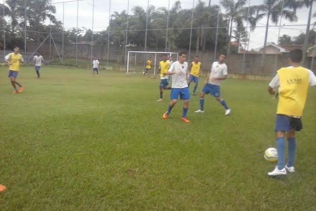 Dando inicio aos trabalhos para a montagem das equipes sub-15 e sub-17 que  disputarão o Campeonato Paulista de Futebol a2aaa739c5237