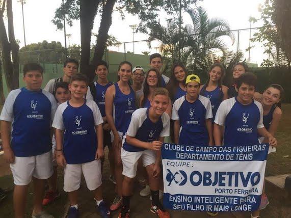 5cd0af0ae63 Equipe Clube de Campo Colégio Objetivo de tênis obtém bons resultados na  cidade de São Carlos - Noticias PORTO FERREIRA HOJE